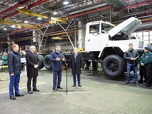 АвтоКрАЗ готовится к массовому сокращению работников