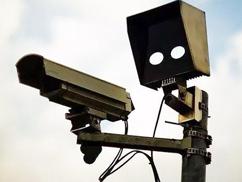 Камеры фотофиксации начали массово выявлять авто-двойники. Что делать, если вам прислали чужой штраф?