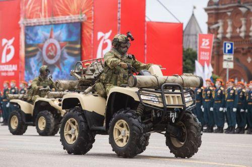 На параде в Туле показали новый транспорт армии РФ