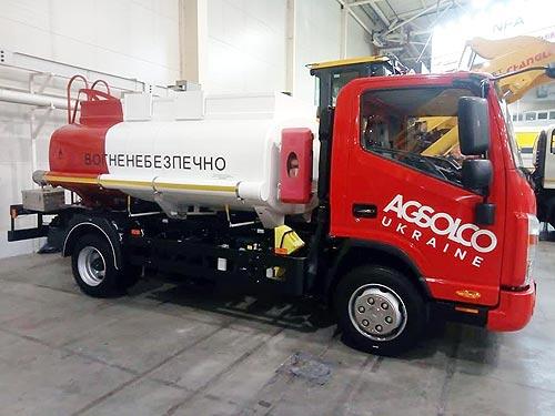 С начала года на Заводе «Техкомплект» изготовлено более 20 топливозаправщиков - Техкомплект