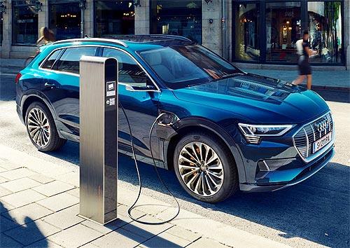Audi e-tron стал мировым лидером в сегменте электрокроссоверов