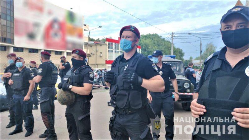 В Черновцах конфликт закончился стрельбой. Убит местный житель: фото, видео