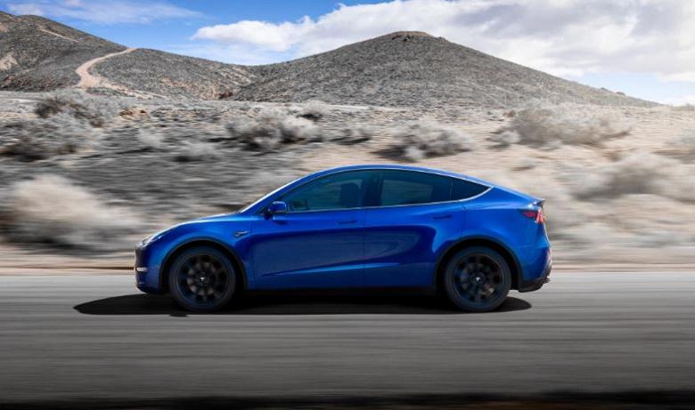 Tesla готова поделиться своим автопилотом, двигателями и аккумуляторами с другими автопроизводителями