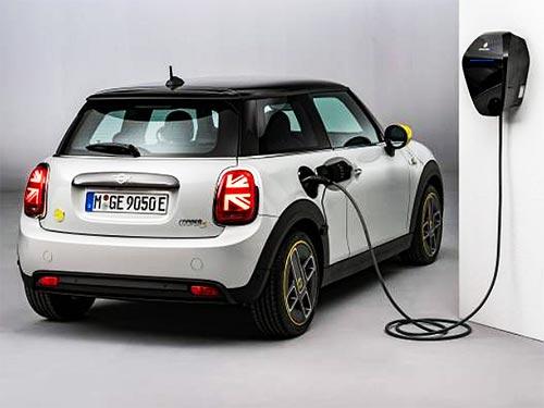 К 2030 году BMW выпустит более 7 млн. электромобилей и плагин-гибридов. Какие будут модели - BMW