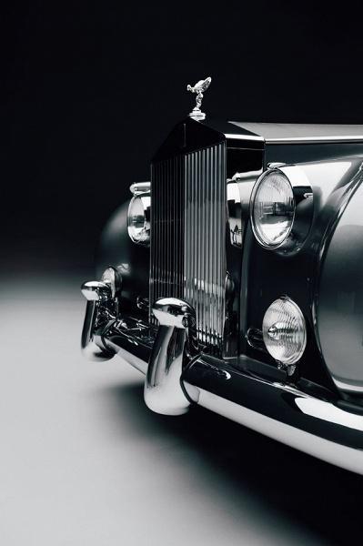 Электрический эксклюзив за 450 тысяч долларов. Анонсированы классические электрические Rolls-Royce Phantom V и Silver Cloud