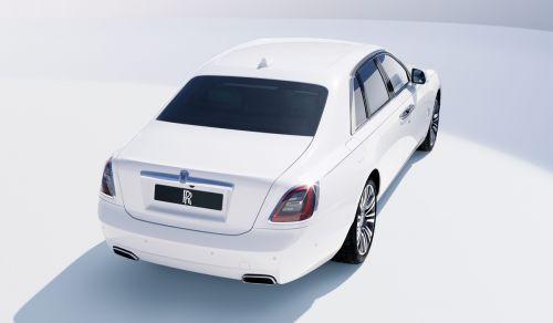 Rolls-Royce Ghost второго поколения получил полный привод