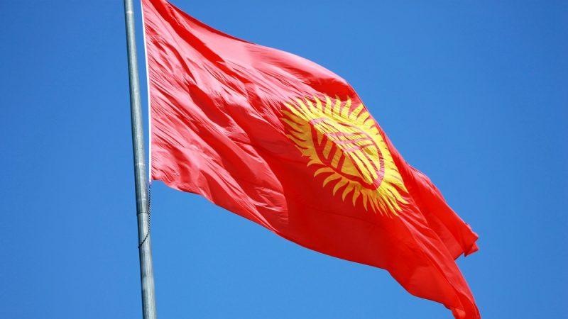В столице Кыргызстана вводится комендантский час, проведение митингов запрещается – комендант Бишкека