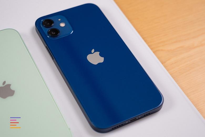 Включённые iPhone 12 и iPhone 12 Pro во всех цветах под разными углами. 20 фото в высоком разрешении