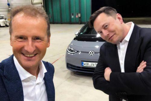 К 2024 году цена электромобилей и авто с ДВС сравняется. Прогноз от UBS
