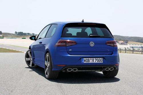 Volkswagen Golf три месяца подряд удерживает лидерство в С-классе в Украине