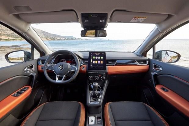На фото: салон Renault Captur