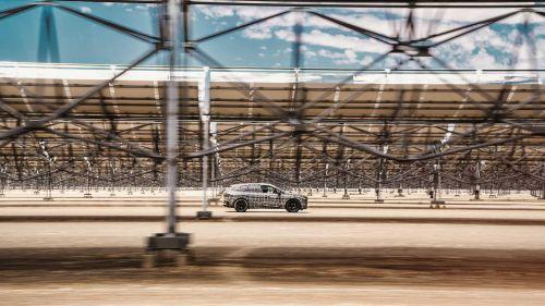 Стала известна цена электрического кроссовера BMW