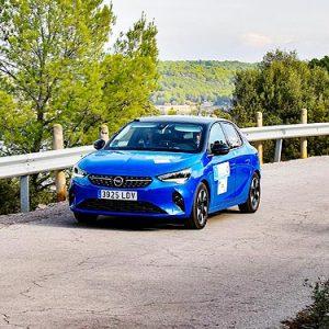 Электромобиль Opel Corsa-e продолжает завоевывать призы