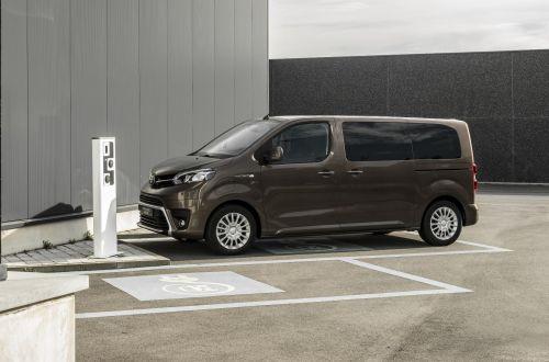 Toyota начнет продажи в Европе электрических Toyota ProAce Verso - Toyota