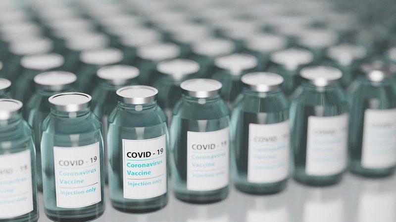 В Грузии после поступления ограниченной партии вакцины Pfizer ожидают получить до 300 тысяч доз вакцины AstraZeneca