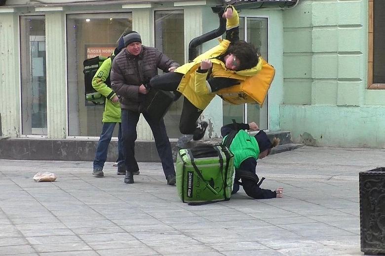 За грубость можно остаться без еды: пользователей Яндекс.Еды и Яндекс.Лавки разрешили блокировать