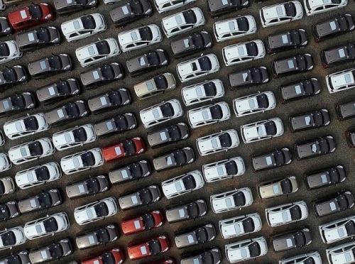 Продажи новых легковых авто в Великобритании упали на 29,4%