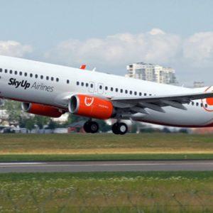 Застрявший в Египте самолет SkyUp вылетит в Киев в субботу утром