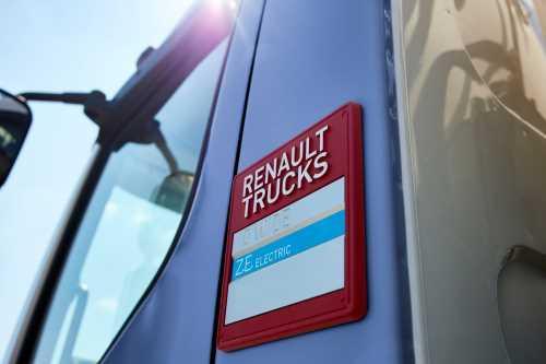 Renault Trucks поставит первый полностью электрический строительный грузовик D Wide Z.E.