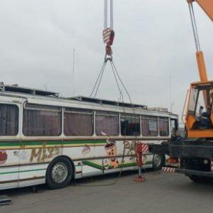 В Киеве начали забирать на штрафплощадку кофейбусы