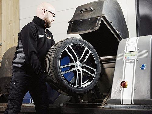 Сервисные центры VIANOR готовы встречать автовладельцев для проведения шиномонтажа и техосмотра