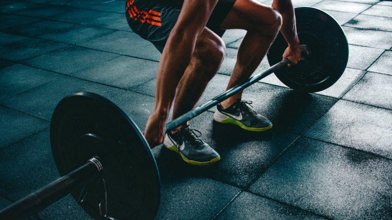 Украинский тяжеловес Чумак выиграл золотую медаль в двоеборье на чемпионате Европы в Москве