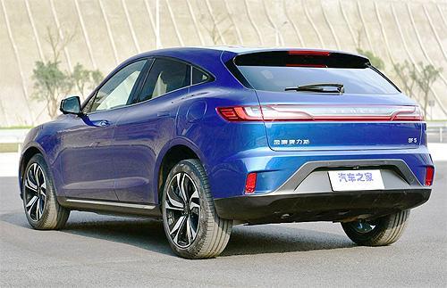 HUAWEI начинает продажи электромобилей SERES SF5 с увеличенным запасом хода - HUAWEI
