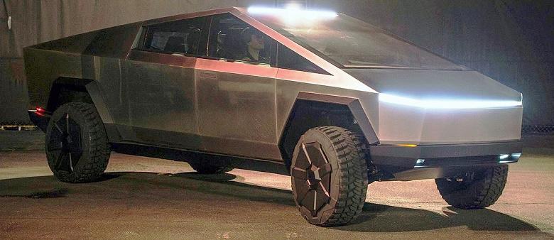 Tesla Cybertruck стал суперхитом: автомобиль заказали болеее миллиона человек