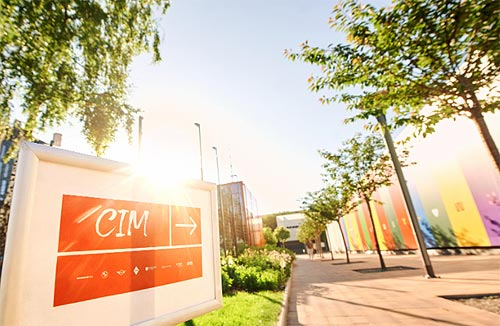 BMW и MINI Украина стали партнером UNIT.City в масштабном театральном проекте «Семь» - BMW