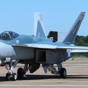 ВМС США перекрасили несколько F-18 в цвета лучших российских истребителей – фото