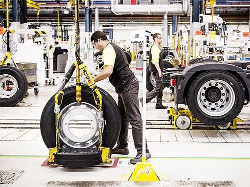 Как выпускают грузовики Renault Trucks. Онлайн экскурсия на производство - Renault
