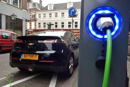 Перелом сознания: владельцы электромобилей стали ездить на них больше, чем на авто с ДВС - электромобил