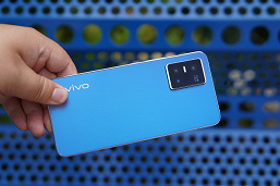 Видео дня: фотохромная крышка Vivo S10 меняет рисунок под солнечными лучами
