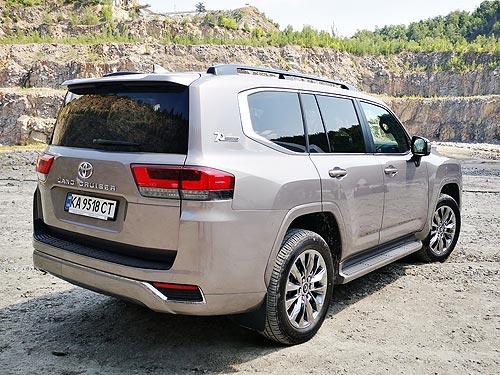 Первые подробности о Toyota Land Cruiser 300 в Украине - Toyota