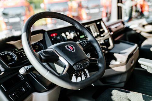 Строительные компании распробовали самосвалы Scania