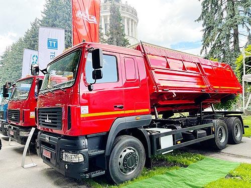 Украинский рынок грузовиков вернулся к показателям 2019 года. Кто сейчас лидирует?