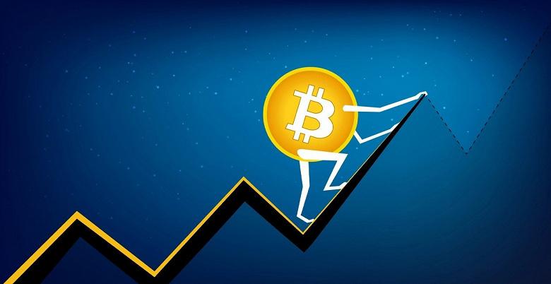 Bitcoin уверенно растёт: он не был таким дорогим с весны