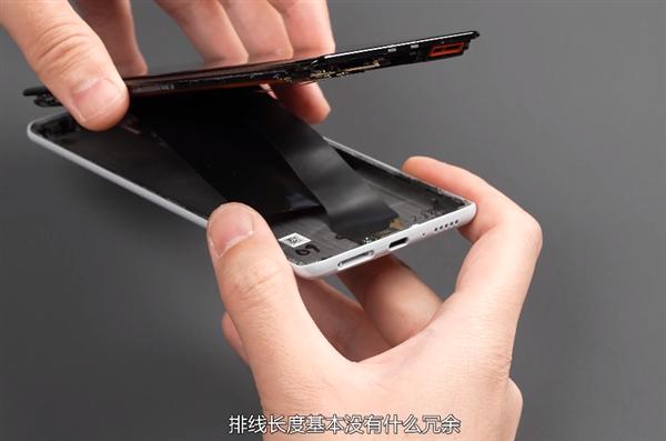 Вчера представили – сегодня разобрали. Опубликована разборка Xiaomi Mi Mix 4, и без сюрпризов не обошлось