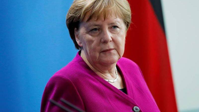 """Меркель обсудила с Путиным заявление ФРГ и США по """"Северному потоку 2"""" и украинский транзит"""
