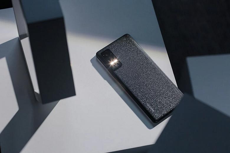 Крошечные рамки, очень тонкий и лёгкий корпус, 120 Гц, 55 Вт и стереодинамики. За первые сутки на Xiaomi Civi оформлено уже более 200 000 предзаказов в одном только магазине JingDong