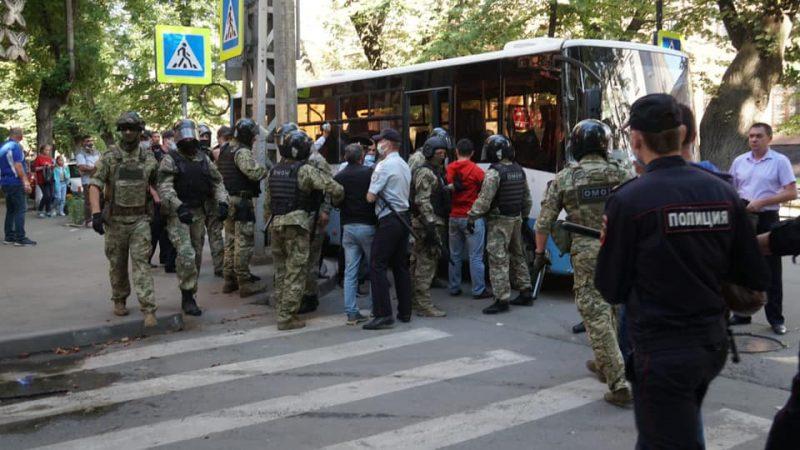 Крым. Правозащитники заявляют о похищении оккупантами 40 человек – фото, видео