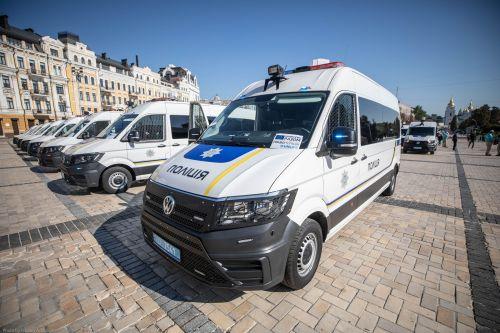 Национальная полиция получила автомобилей и оборудования на 3,4 млн Евро - полиц