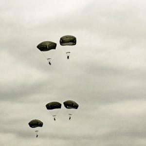 Украинские и американские военные совершили совместное десантирование
