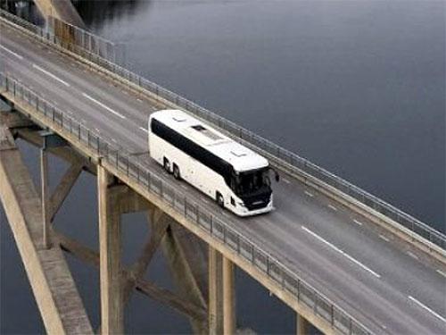 Scania представляет новый туристический автобус - Scania