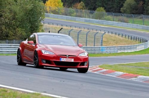 Tesla Model S побила рекорд Porsche Taycan на Нюрбургринге - Tesla