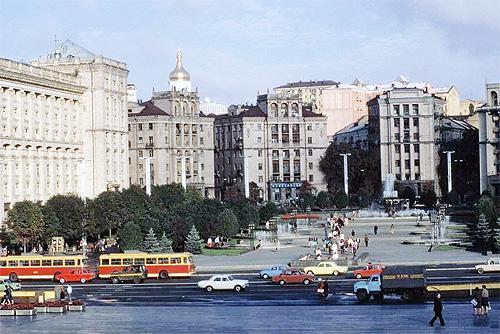 Стало известно сколько точно авто ежедневно ездит по дорогам Киева